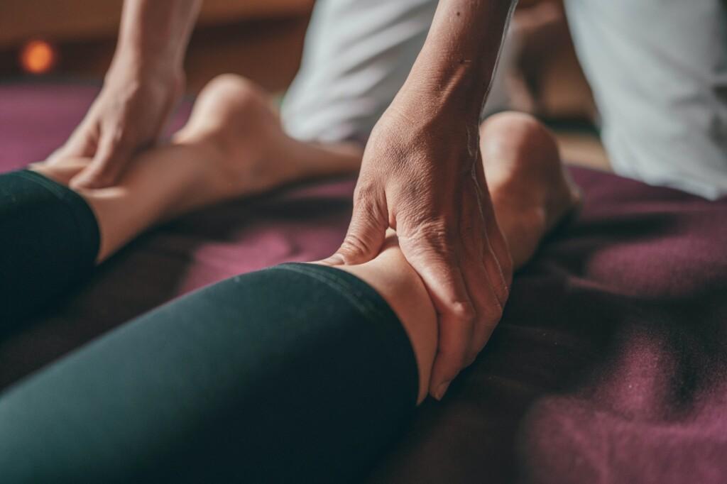 Ayurveda-Massage, Fuss- und Beinmassage